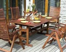 Обновление деревянной садовой мебели