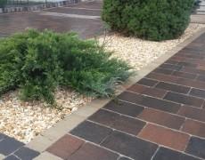 Отсыпка декоративным камнем – монтаж и уход