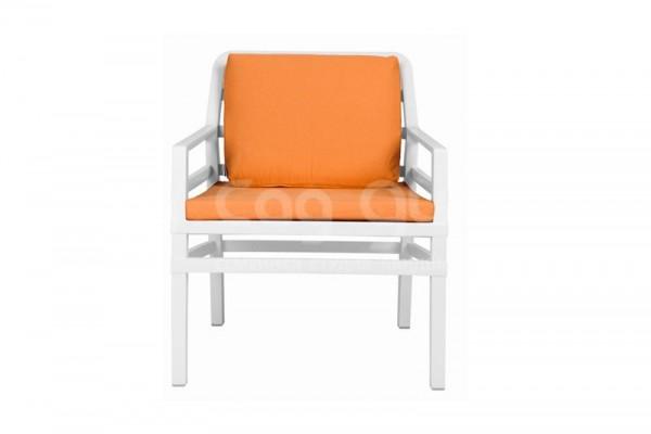 белый оранжевый